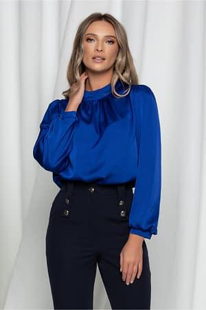 bluza moze albastra satinata cu guler la baza gatului 942699 751206 4